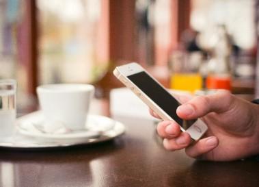 インターネット利用時間、スマートフォンがPCを19時間上回る他15記事【まとめ】
